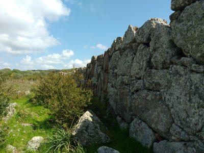 La muraglia megalitica di Monte Baranta