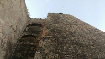 Scilla castello mura
