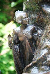 La statua di Peter Pan a Londra particolare